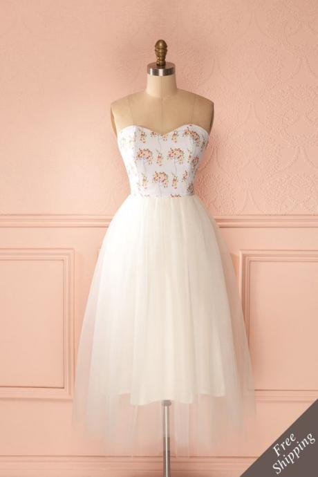 Strapless Sweetheart Short Tulle Floral Prom Dress
